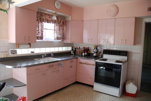 St. Charles cabinets with Hotpoint Dishwasher (With images ...