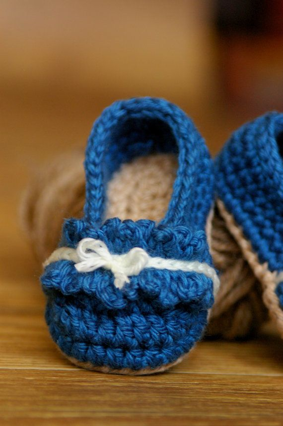 710e92b1db01b Ruffle Ballet Flat Crochet Pattern for Baby by TwoGirlsPatterns ...