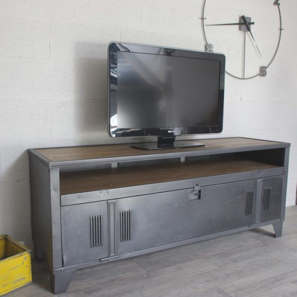 Un vestiaire d\'atelier transformé en meuble télé style industriel ...