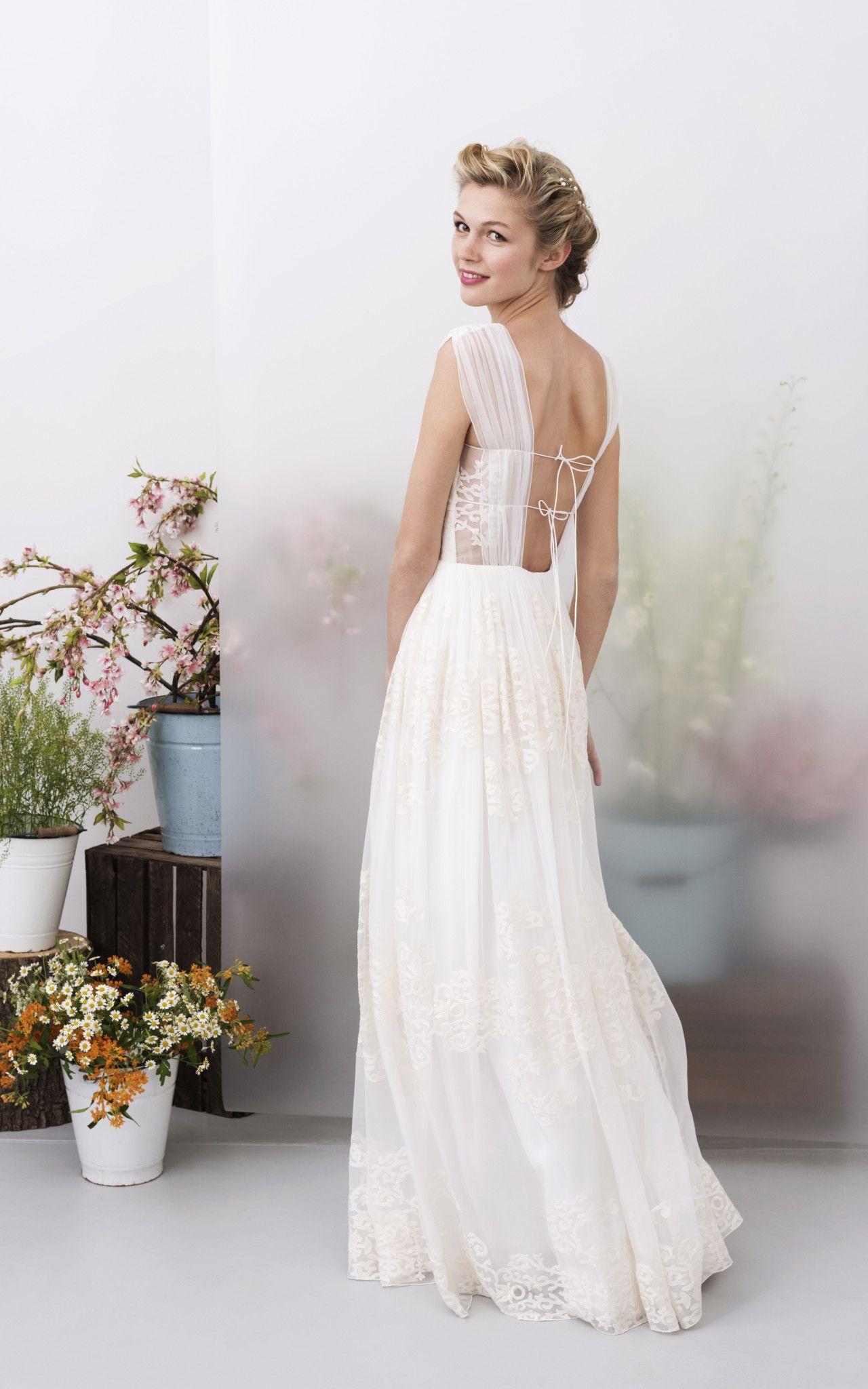 Traumhaft junge Hochzeitskleider aus reiner Seide entwirft die ...