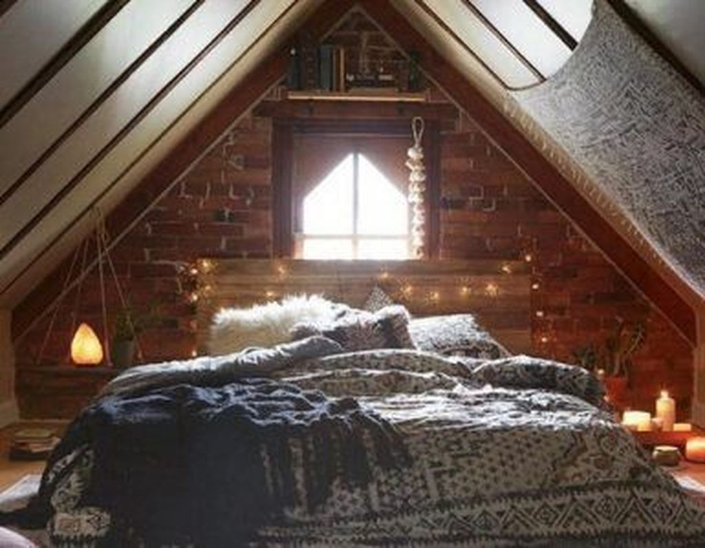 36 Lovely Attic Bedroom Ideas With Bohemian Style 36 Lovely Attic