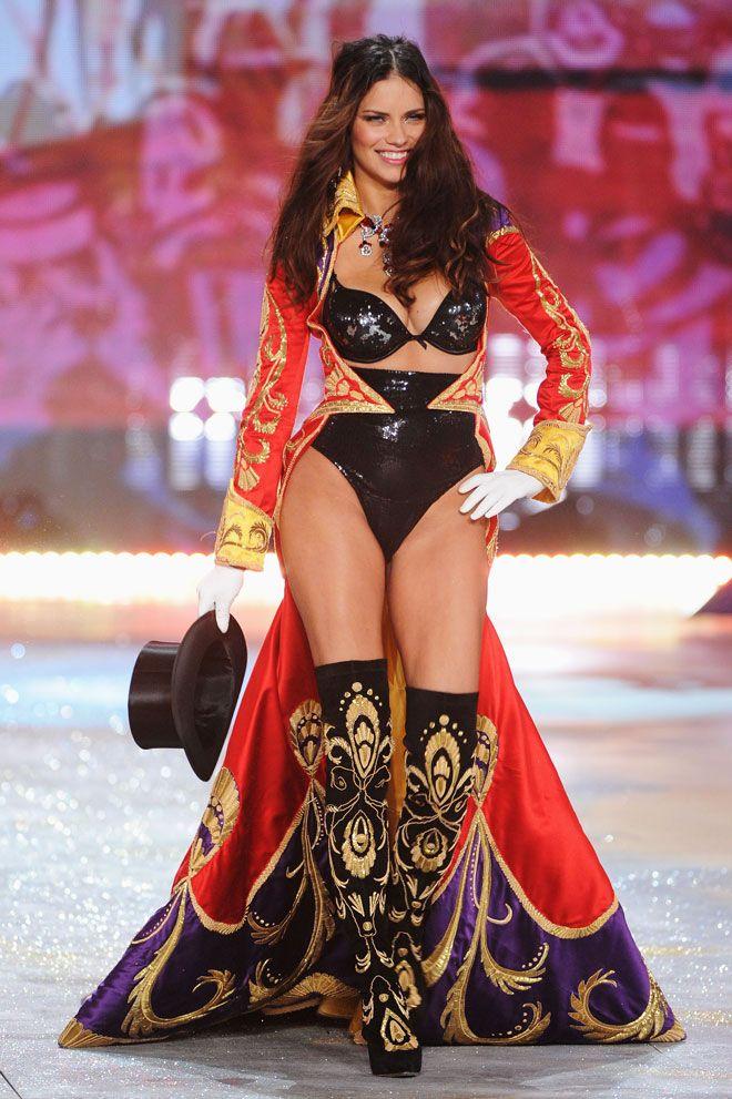 Resultado de imagem para victorias secret fashion show circus