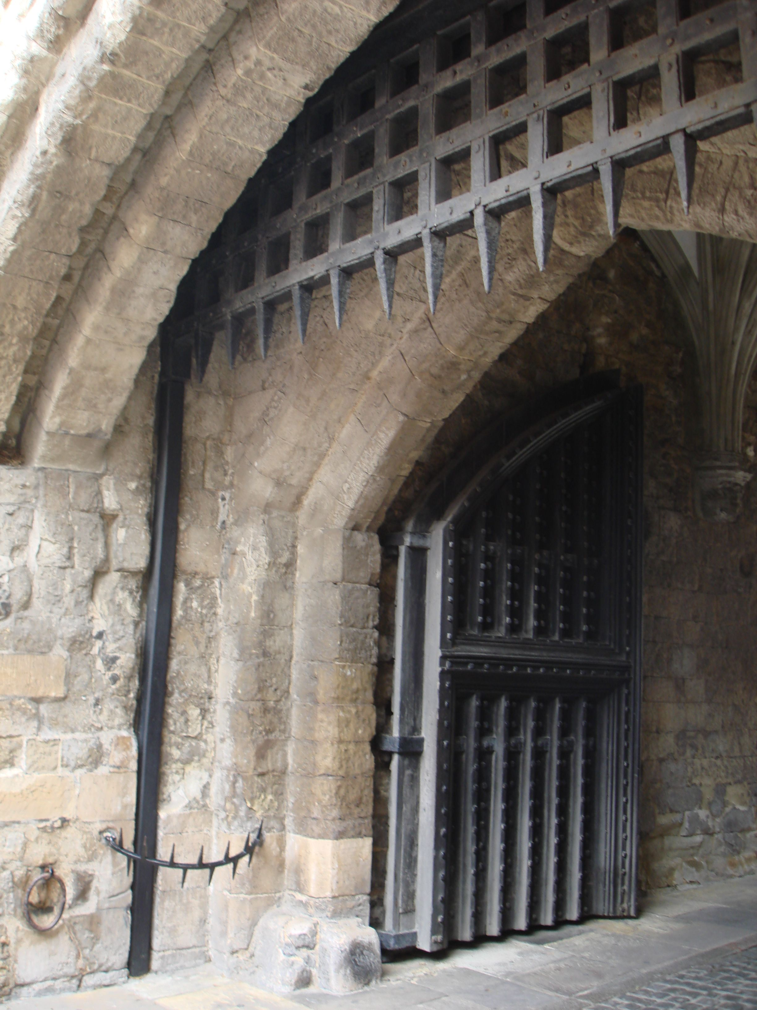 Portcullis Tower of London (L.A. Cecil) This is the \u0027people\u0027 entrance & Portcullis Tower of London (L.A. Cecil) This is the \u0027people ...