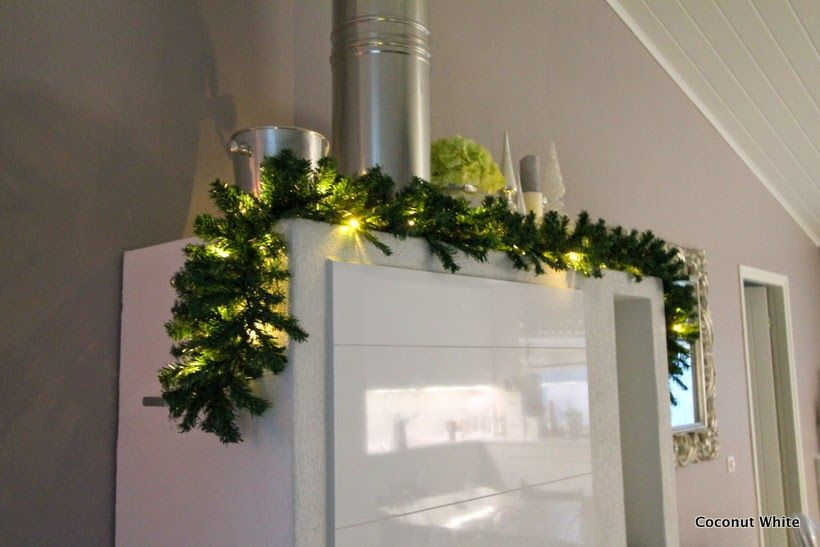 Coconut White - Christmas branch
