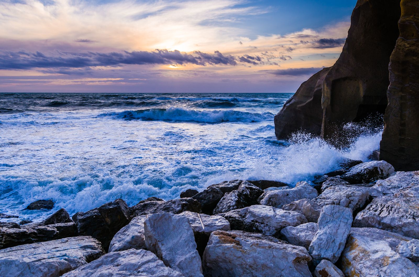 A Watercolor Seascape in Southern Italy - Photo by Adam Allegro