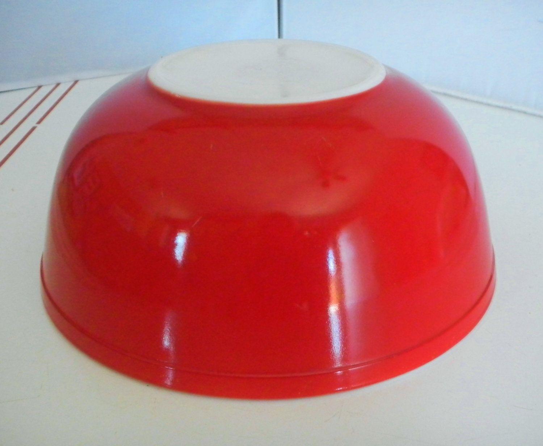 Vintage Pyrex Mixing Bowl 404 Red 4 Quart Rare   \