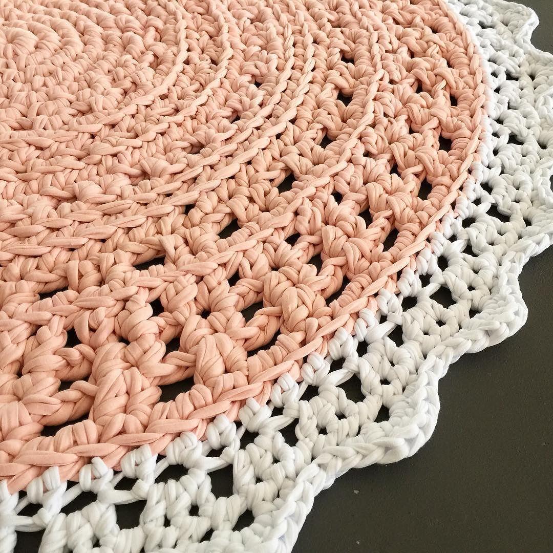 'Blush Crush' Crochet Floor Rug  92cm  available now in my Etsy Shop  link in profile #bunyetskahandmade #crochetrug #crochetfloorrug #shareyourcrochet #shareyourknits #etsyau #etsyshop #crochetlove #crochetersofinstagram #crochetaddict #instacrochet #handmadeisbetter #handmadeinaustralia #woolandthegang #yesWATG by bunyetskahandmade