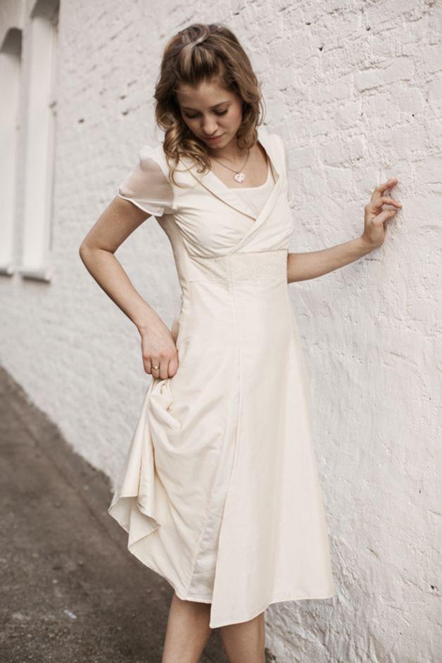 Brautkleider - Kleid aus Ahimsa - Seide - ein Designerstück von ...