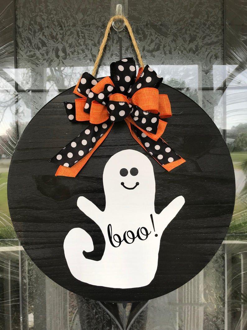 Halloween Door Hanger// Fall decor// Boo sign// Round Door