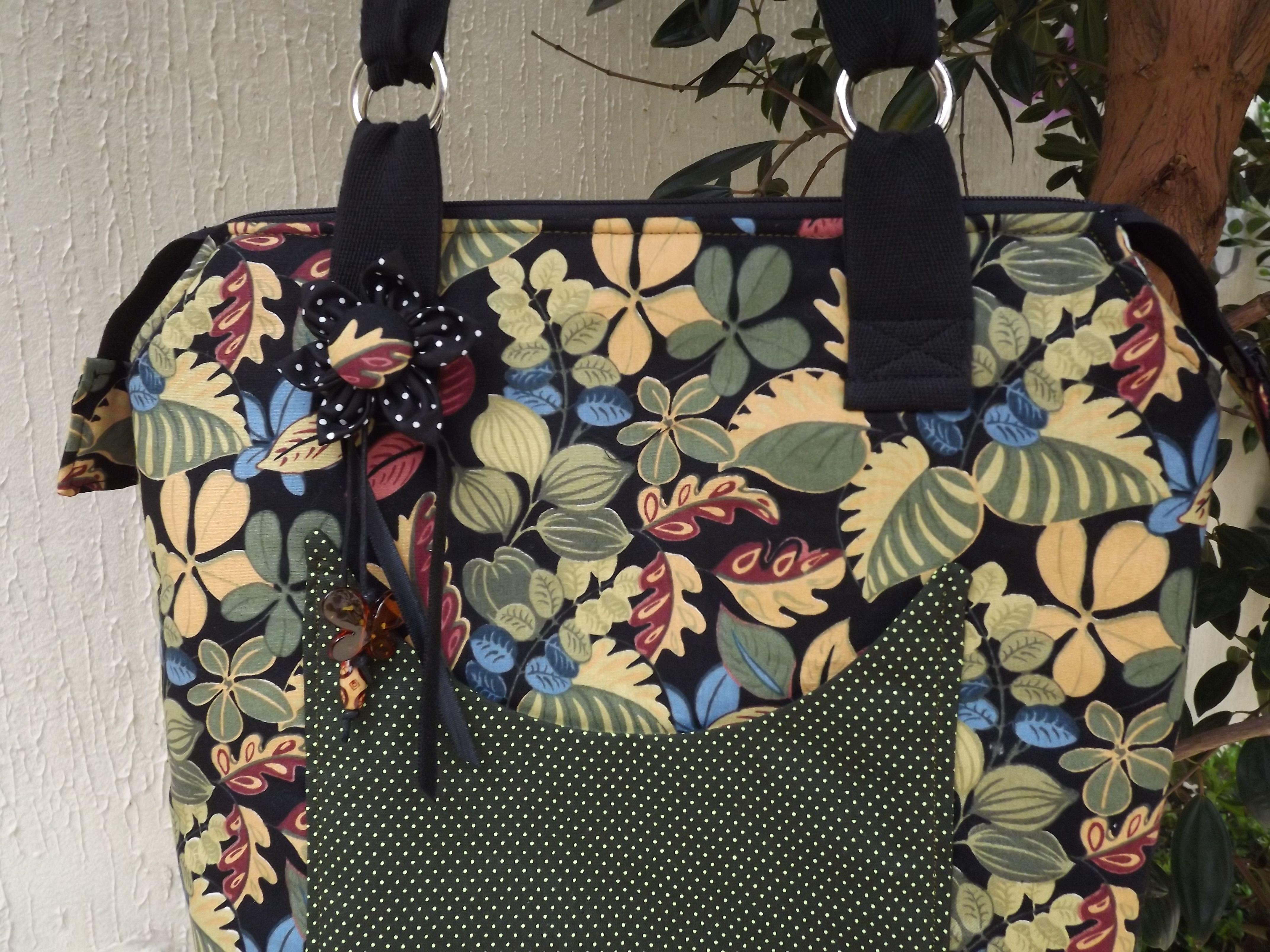 Bolsa em tecido.   By Liliane - Recanto do Retalho Handmade
