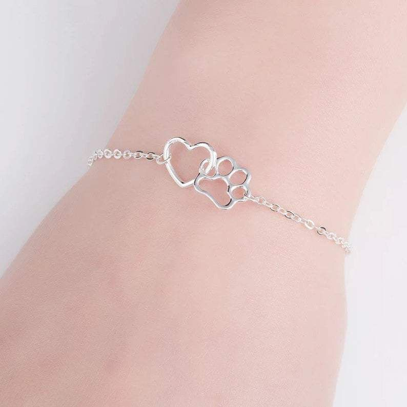 Are you or someone you know a lover of dog, cats or any other furry little friend.Our paw print heart bracelet is the perfect piece of jewellery for you.Small, lightweight and cute these Bracelets are guaranteed to make you smile just check out our reviews!The perfect gift either for yourself or for someone you love.