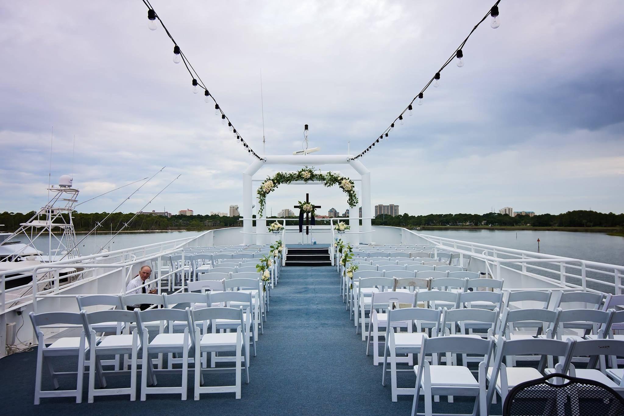 Destin Wedding Venues Packages Solaris Yacht Venue Sandestin Wedding Venue Packages Destin Florida Wedding Destination Wedding Venues