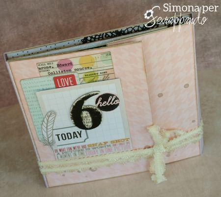 Une idée de mini anniversaire: http://scrappando.typepad.com/cartaericordi/2014/03/mini-album-hello-6.html