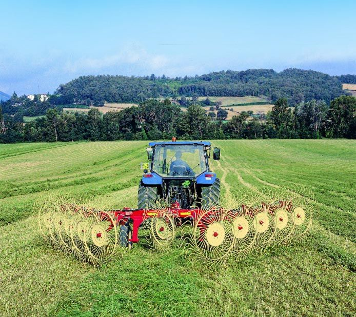 "Hay farming equipment | INNOVATION AND ADVANTAGES OF QR RANGE ""V ..."