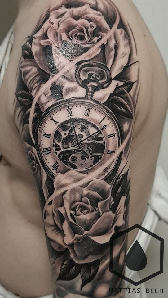 Tatuagem Ombro E Biceps E Gricipis Tattoos For Guys Clock Tattoo Clock And Rose Tattoo