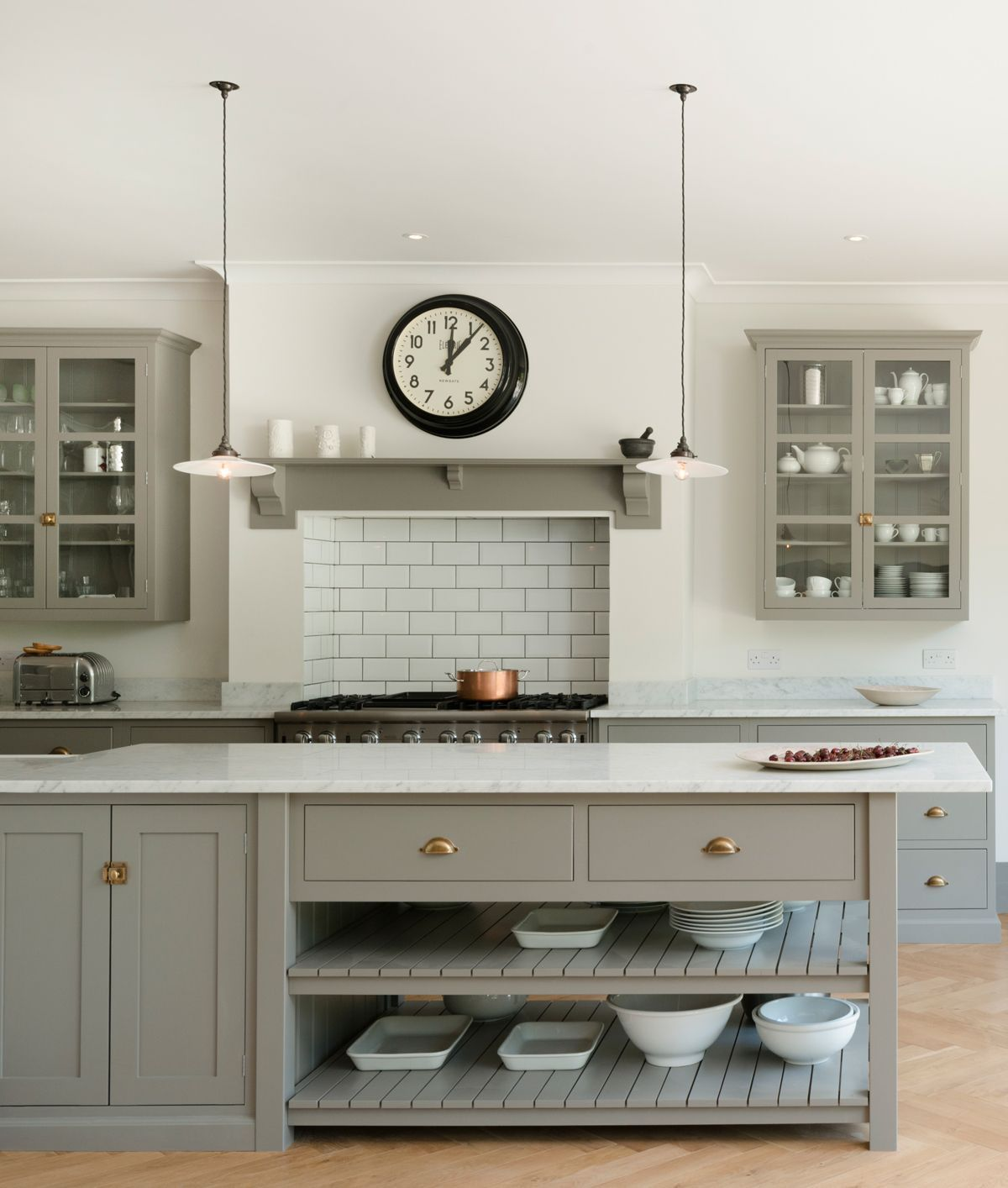 Pendant Lighting Gives This Modern Kitchen A New Twist