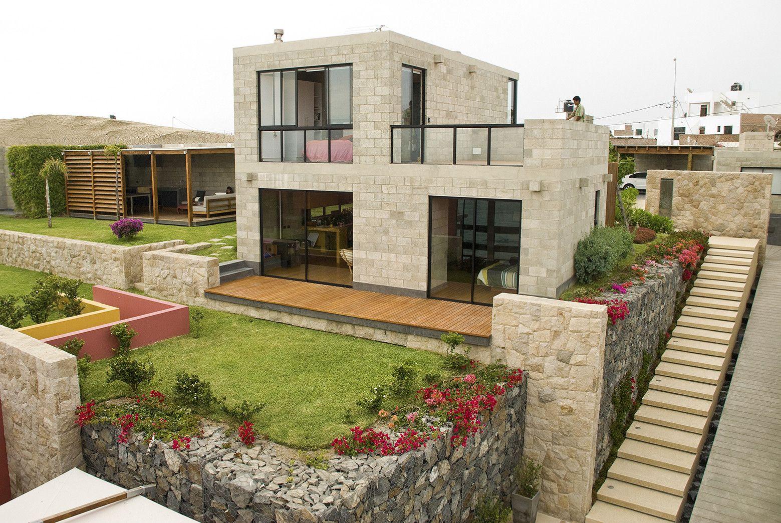 Casa alr vicca verde fachadas de casas constru o de for Casa minimalista lima