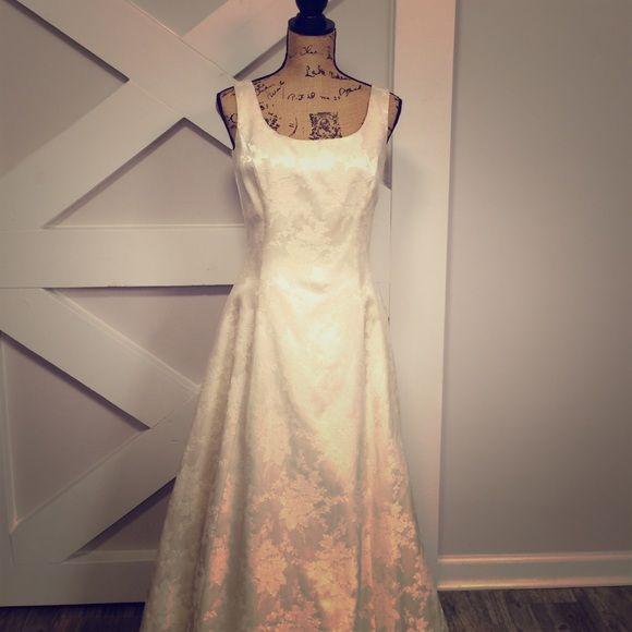 Gunne Sax Ivory Brocade Formal Dress | Dresses, Formal dresses, Clothes  design
