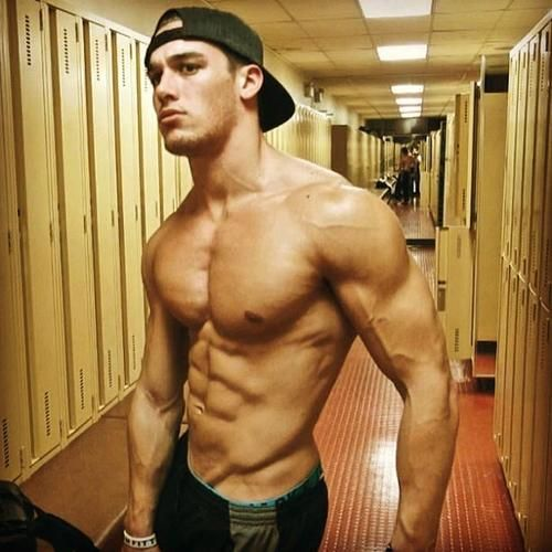 Muscle men webcam