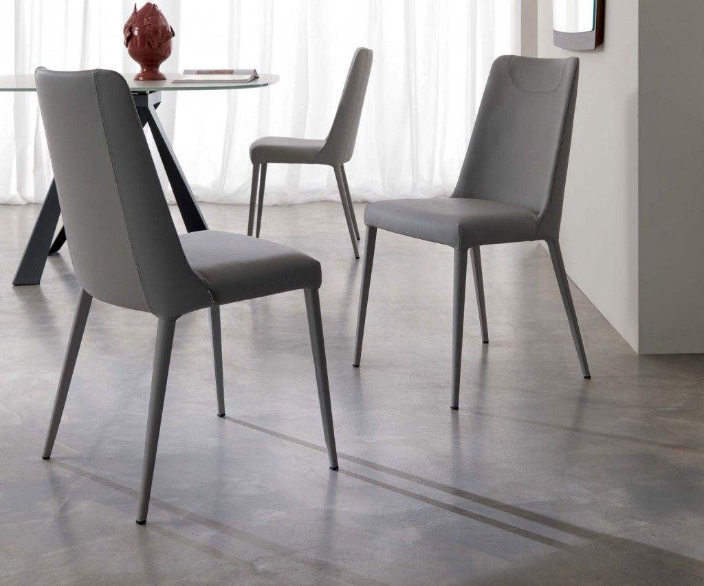 Sofia Ist Ein Moderner Esszimmerstuhl Mit Einer Weichen Polsterung Aus  Hochwertigem Italienischen Leder Von Ozzio.