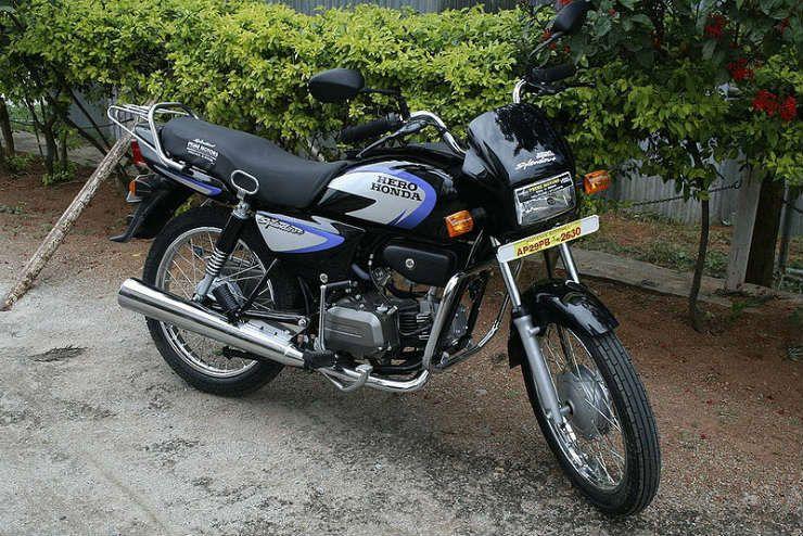 Hero Splendor Outsells The Honda Activa In A Big Way Honda Hero Motocorp Hero