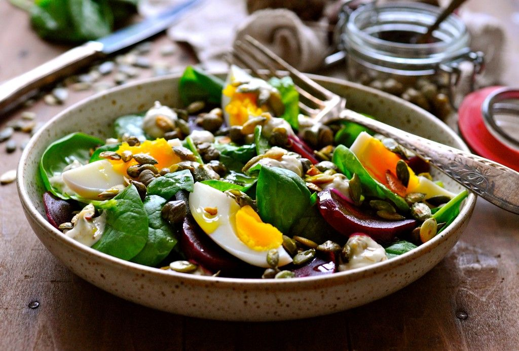 100 grams equals 3.5 ounces. This recipe would be a great side for two.  Beetroot salad with capers mayonnaise 3.5 oz. spinach 4 medium beets 2 eggs  2 ...