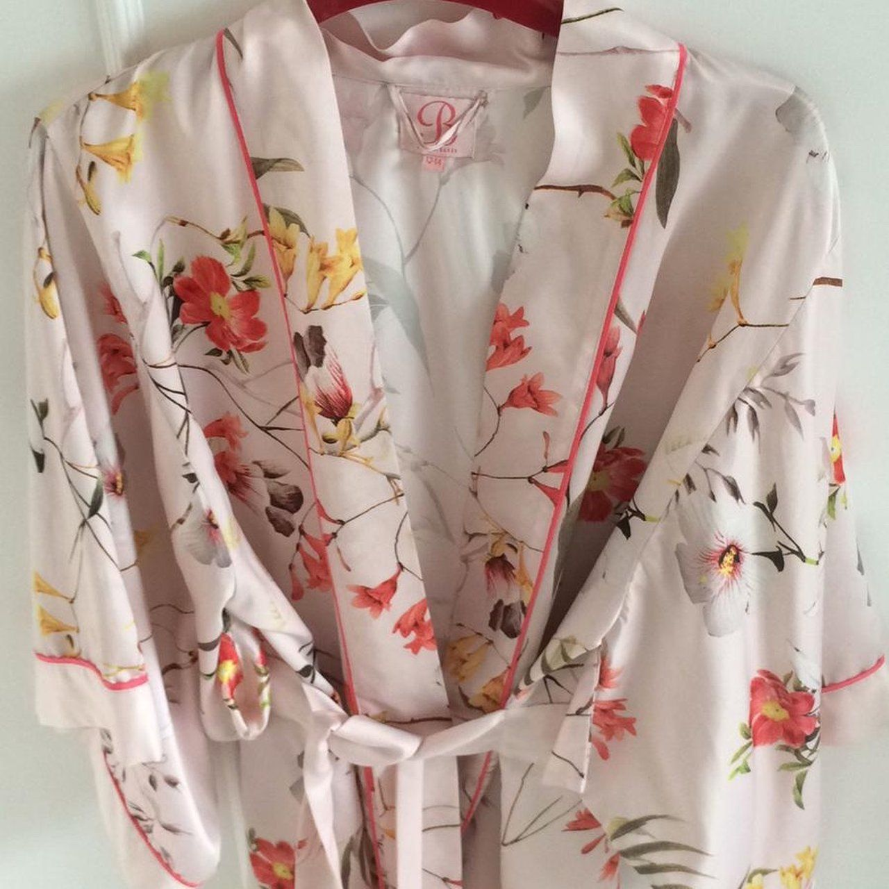 a5d0fa9a03d Ted Baker dressing gown for sale. Light and pretty. Size but - Depop