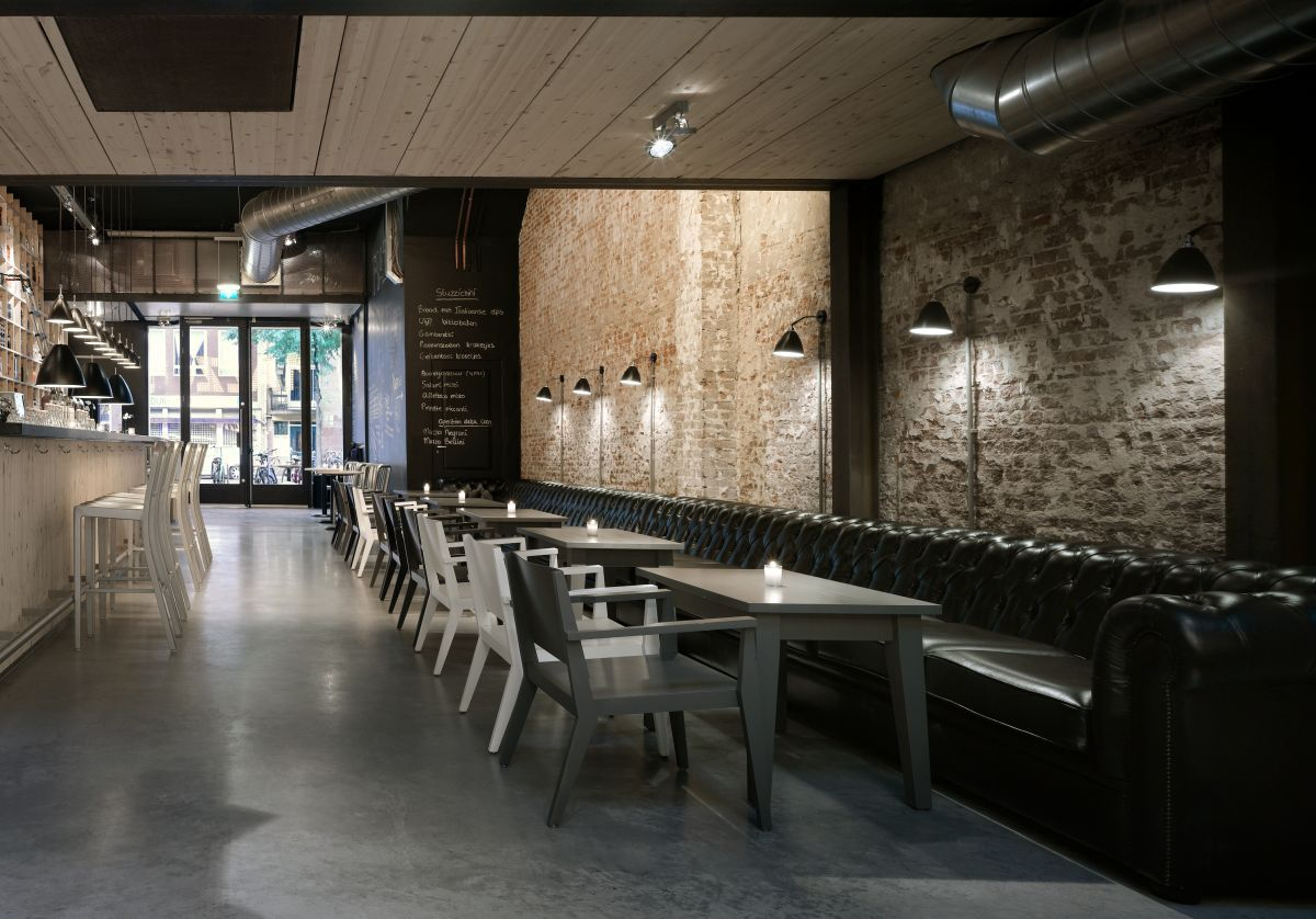 Decorating luxury restaurant design with brick wall how for Interior cafe designs