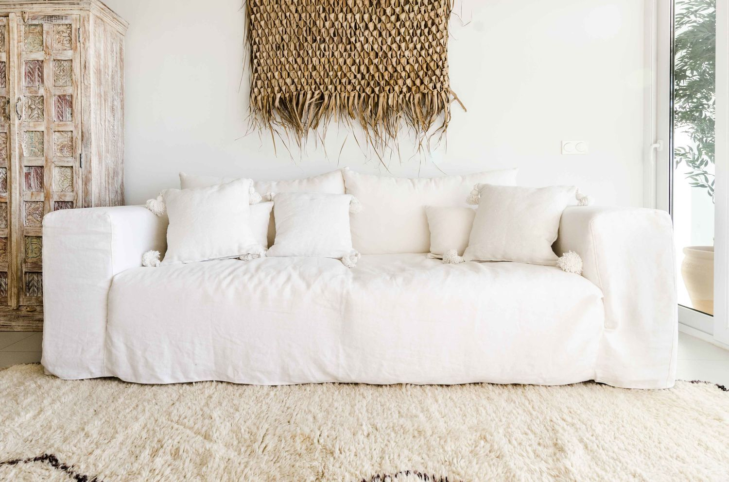 Pin By Kai An Chee On Inspo Linen Sofa White Sofas Linen Couch