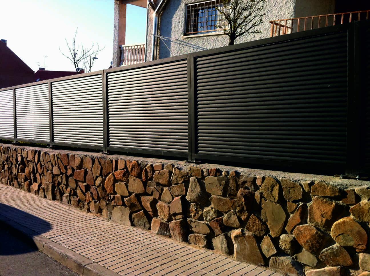 Muros de chapa galvanizada buscar con google muros - Vallas para muros ...