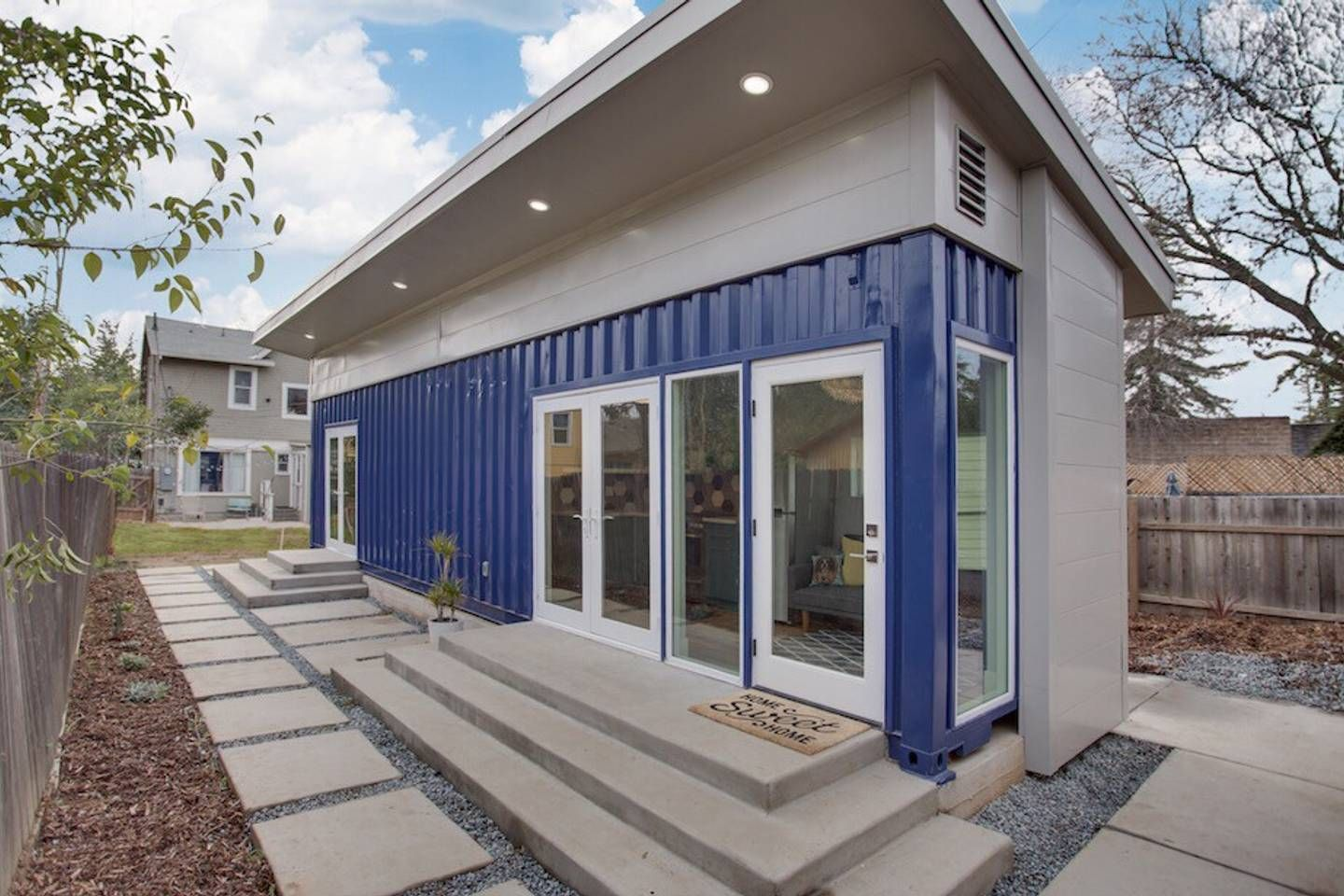 Oak Park Shipping Container House Tiny Houses For Rent