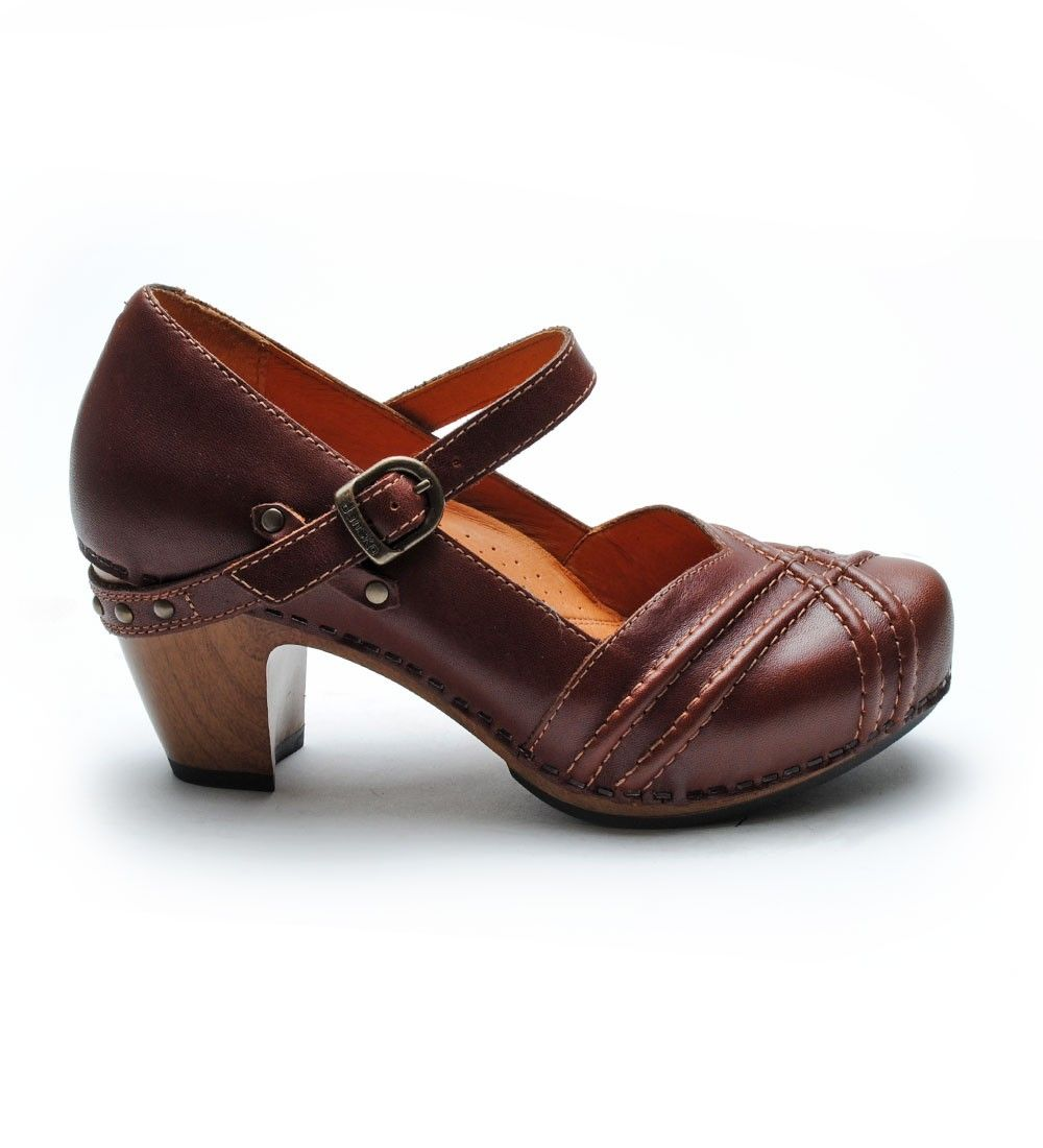 Dansko Reeny in brown. I love all my Dansko shoes and credit this brand with saving my knees, hips, and back from pain due to long periods of time spent on my feet at work.