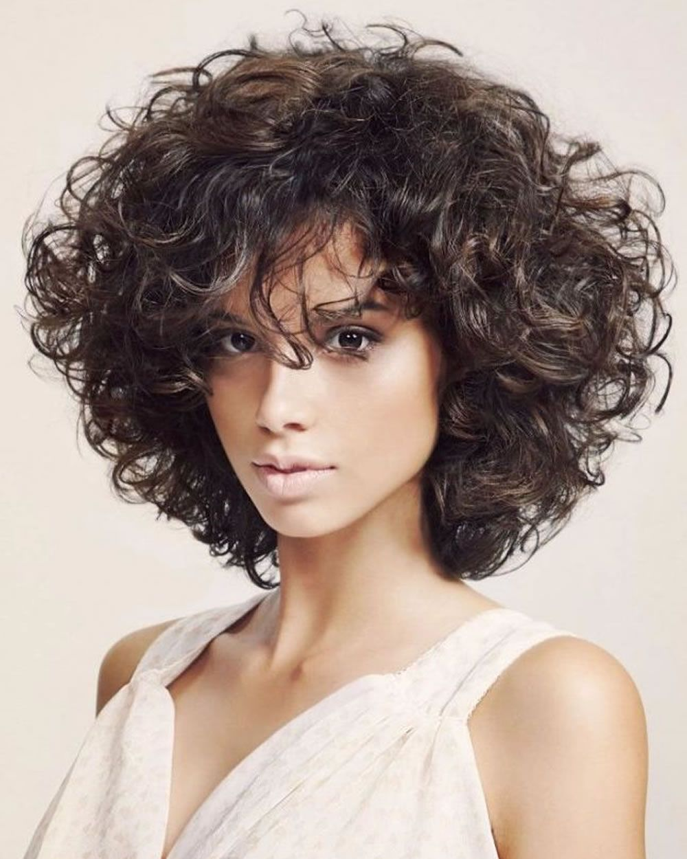 Curly oder Wavy Short Haircuts für 2018? 25 große kurze