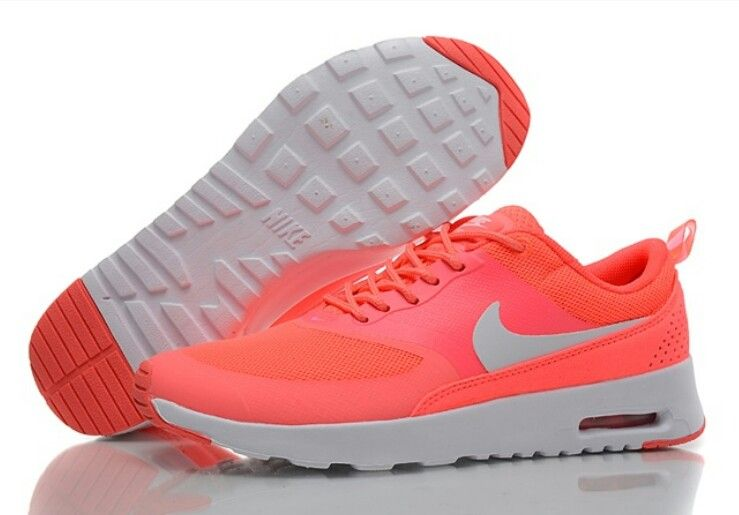 chaussures nike fluo