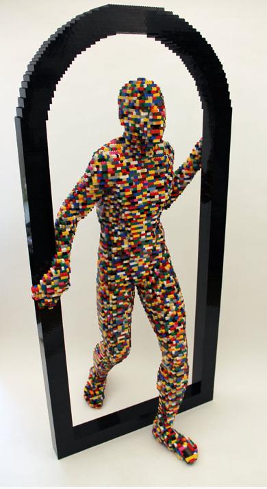 Nathan Sawaya demuestra su creatividad y su arte con LEGO. Visto en http://brickartist.com