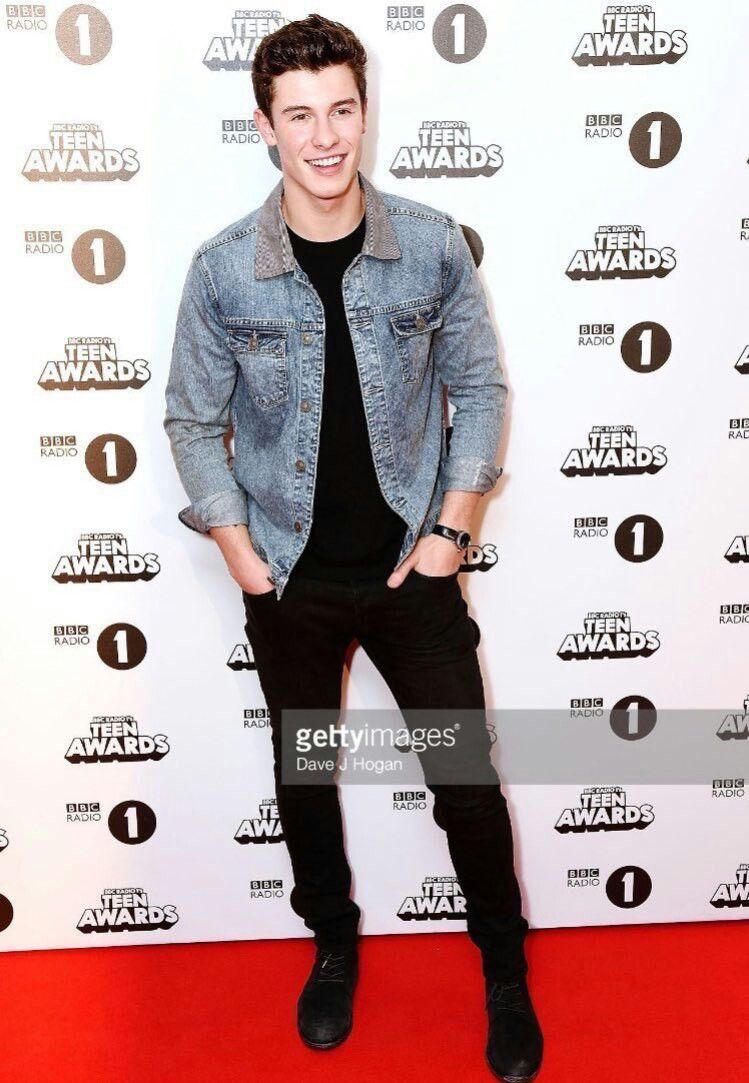 Shawn Mendes   Teen Awards 2016