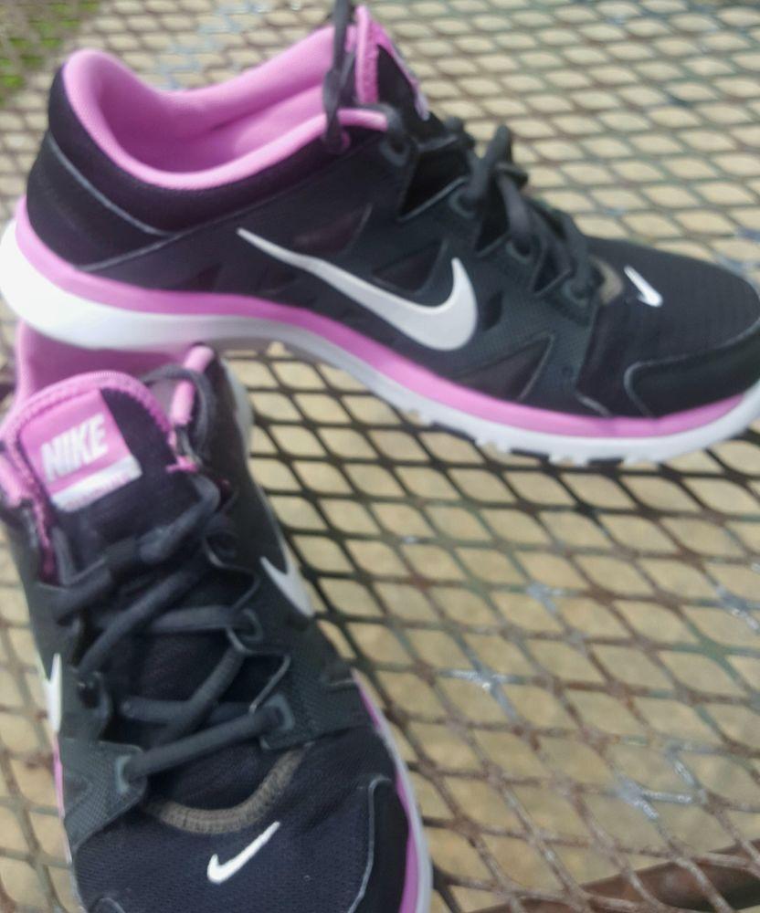 Nike Running Flex TR2 Womens Sz 9.5 Gray Pink Athletic Shoes