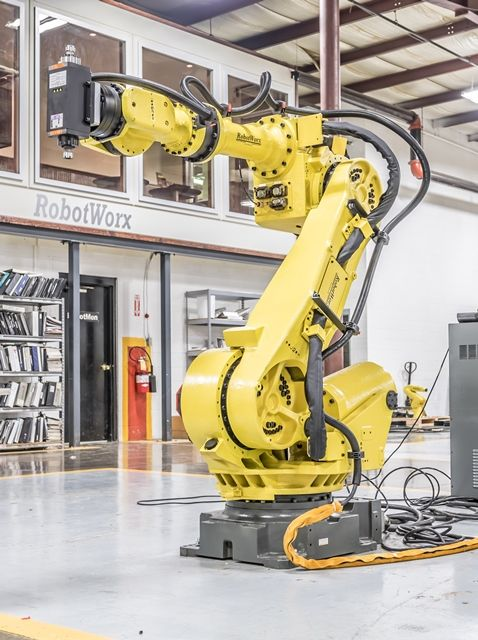 Pin by None on assembly line in 2019   Industrial robotic arm, Robot