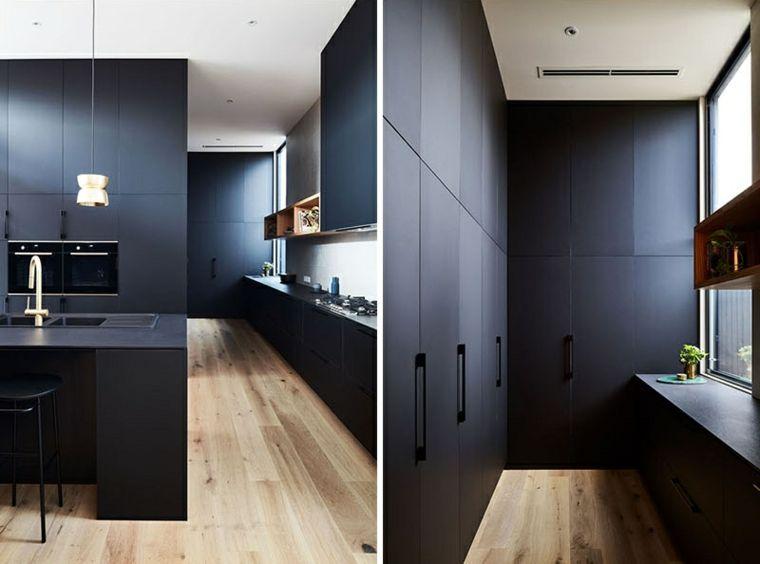 Patio interior envuelto por una casa moderna en Australia | Cocinas ...