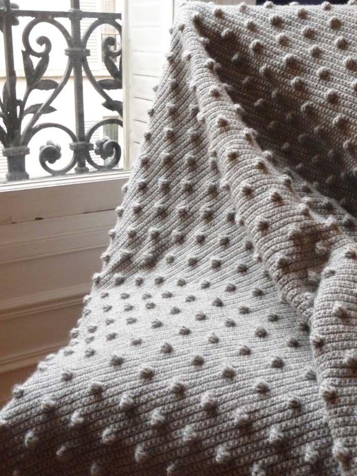 le point noisettes au crochet maille serr e le rang et tournai. Black Bedroom Furniture Sets. Home Design Ideas