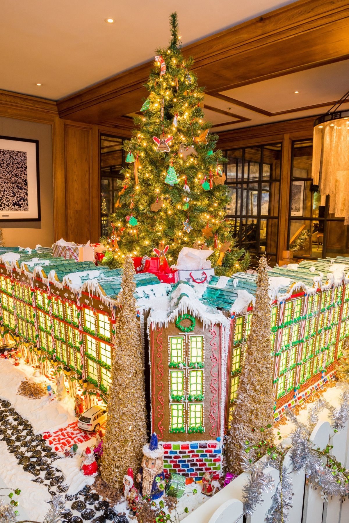 The 17 Best Luxury Christmas Hotels For An Over The Top Holiday Unique Family Vacations Luxury Family Holidays Florida Christmas