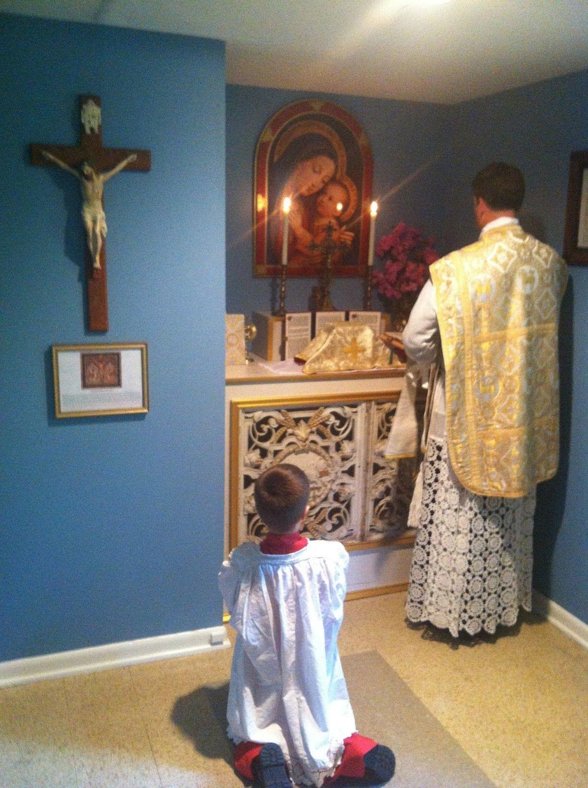 Home altar for tridentine mass catholic pinterest for Catholic decorations home