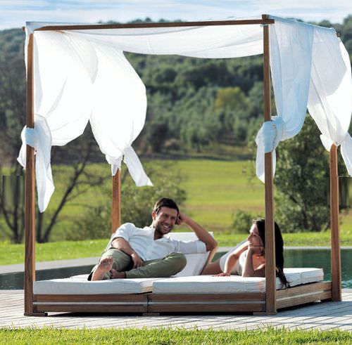 lit de jardin baldaquin contemporain essenza ethimo. Black Bedroom Furniture Sets. Home Design Ideas