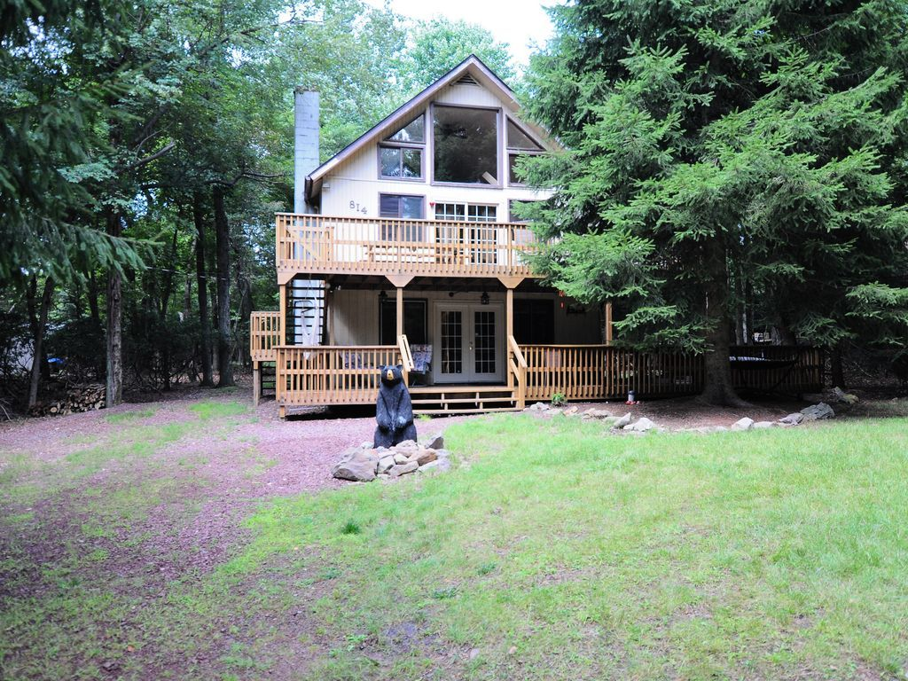 Chalet vacation rental in lake harmony estates lake