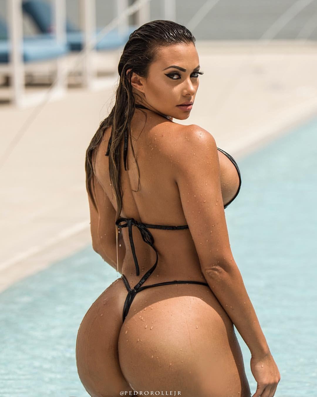 Bikini latin booty