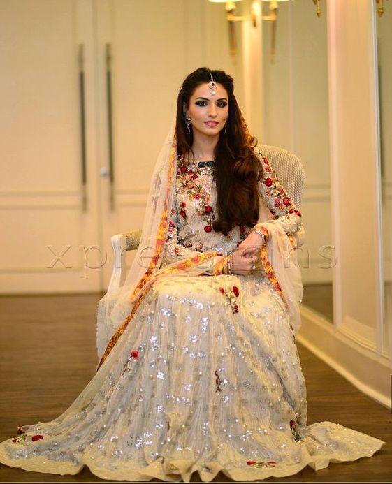 Nikah Kleider für Braut Ideen | Pakistanische ...