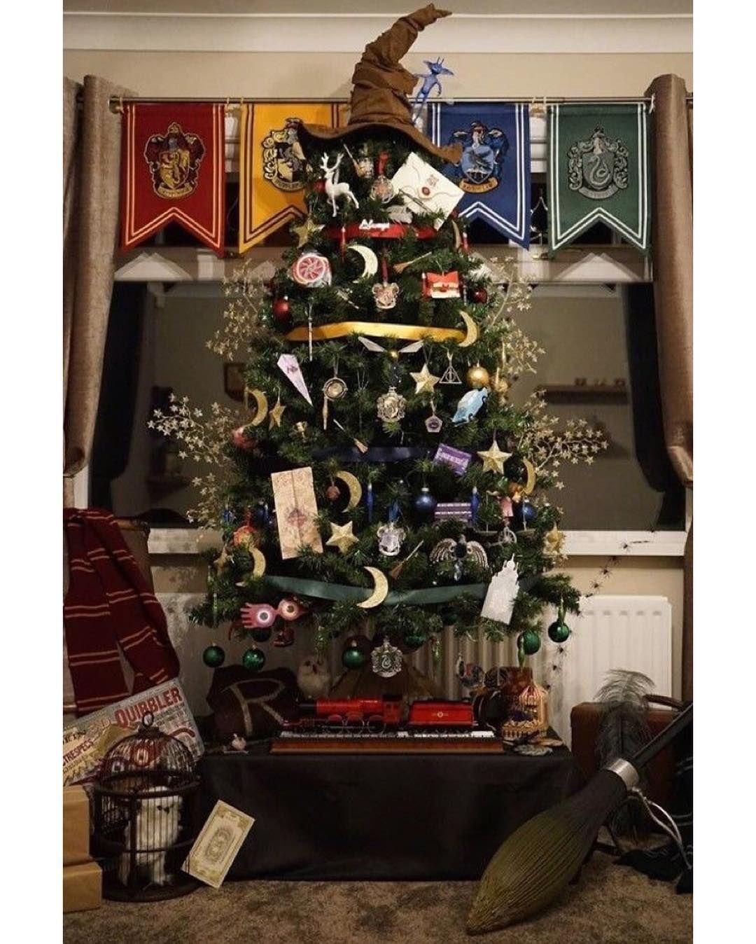 harry christmas potterhead hogwarts weihnachten. Black Bedroom Furniture Sets. Home Design Ideas