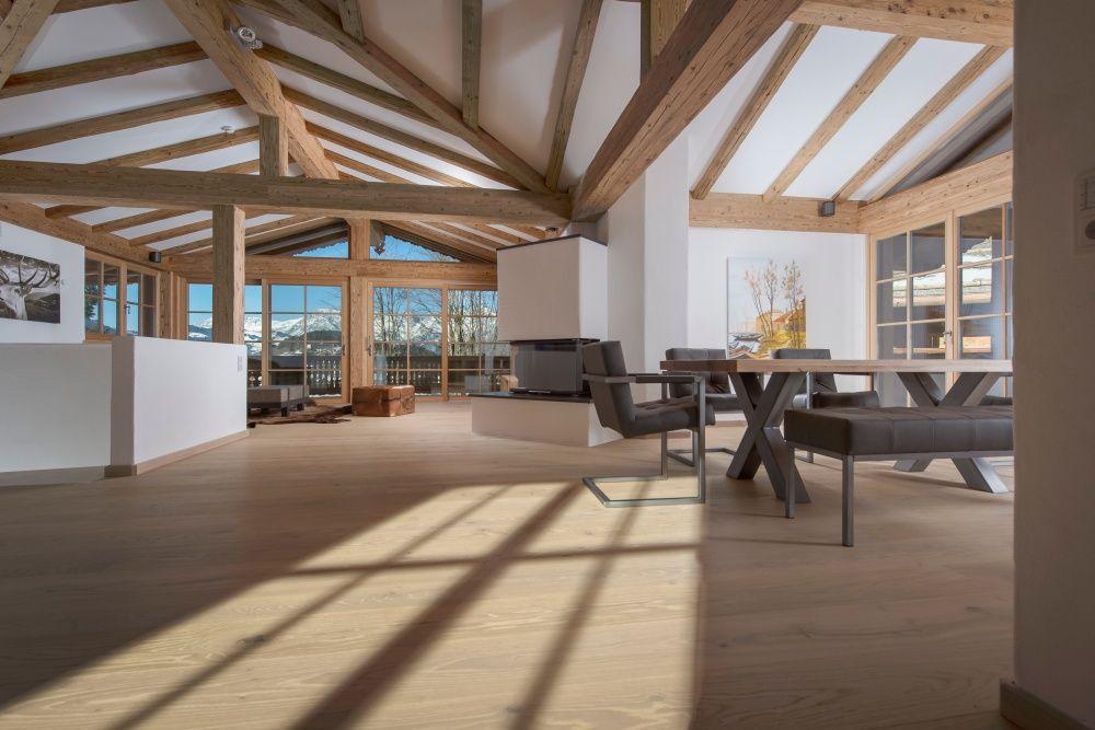 7 Aussergewohnliche Immobilien In Kitzbuhel Fur Uber 3 Mio Eur Holz Innenarchitektur Wohn Design Schoner Wohnen Wohnzimmer