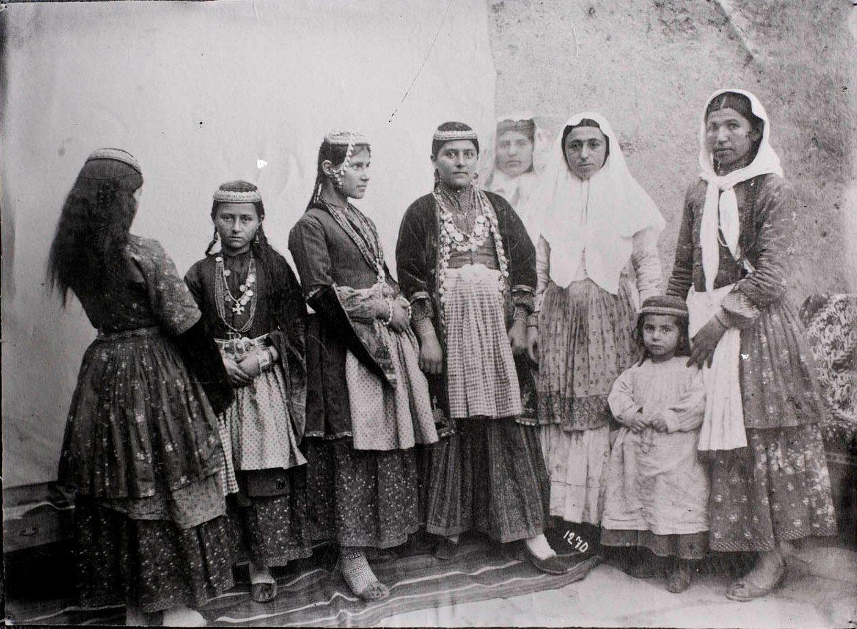 древние армяне фото фото-триптих
