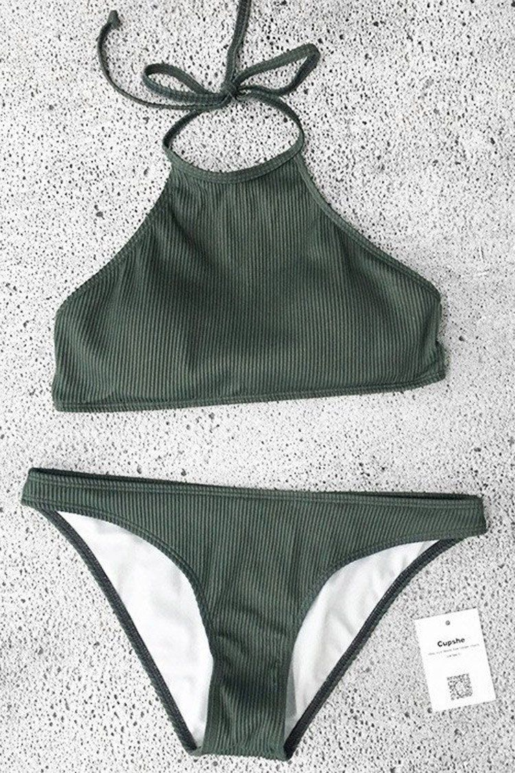 Zwembroek Mode 2019.Cupshe Matcha Ice Cream Halter Bikini Set Bikini In 2019 Kleding